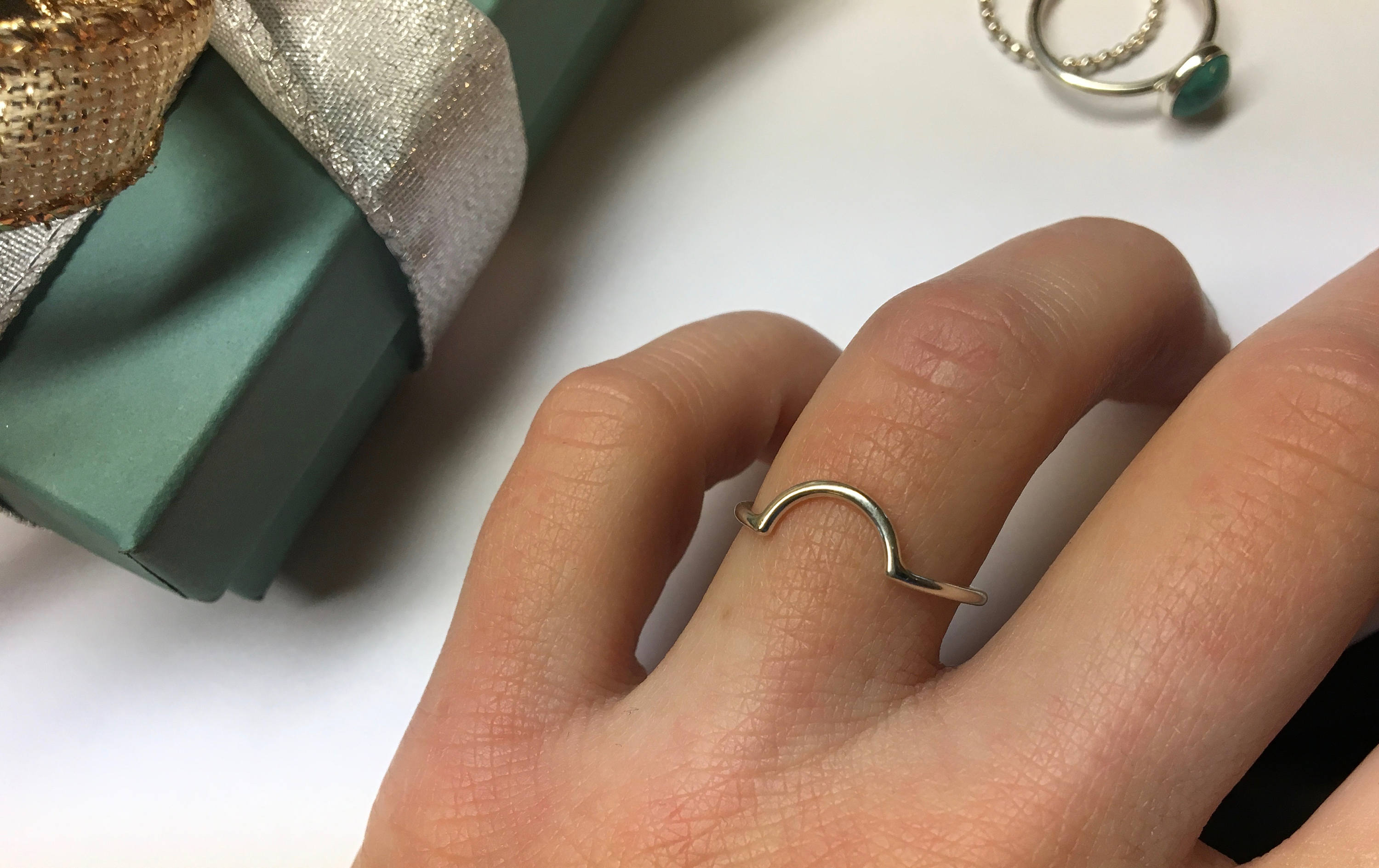Curved Accent Ring