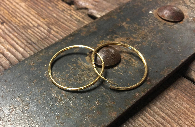 Gold 1 Inch Hoop Earring – Seamless Hoops 25mm