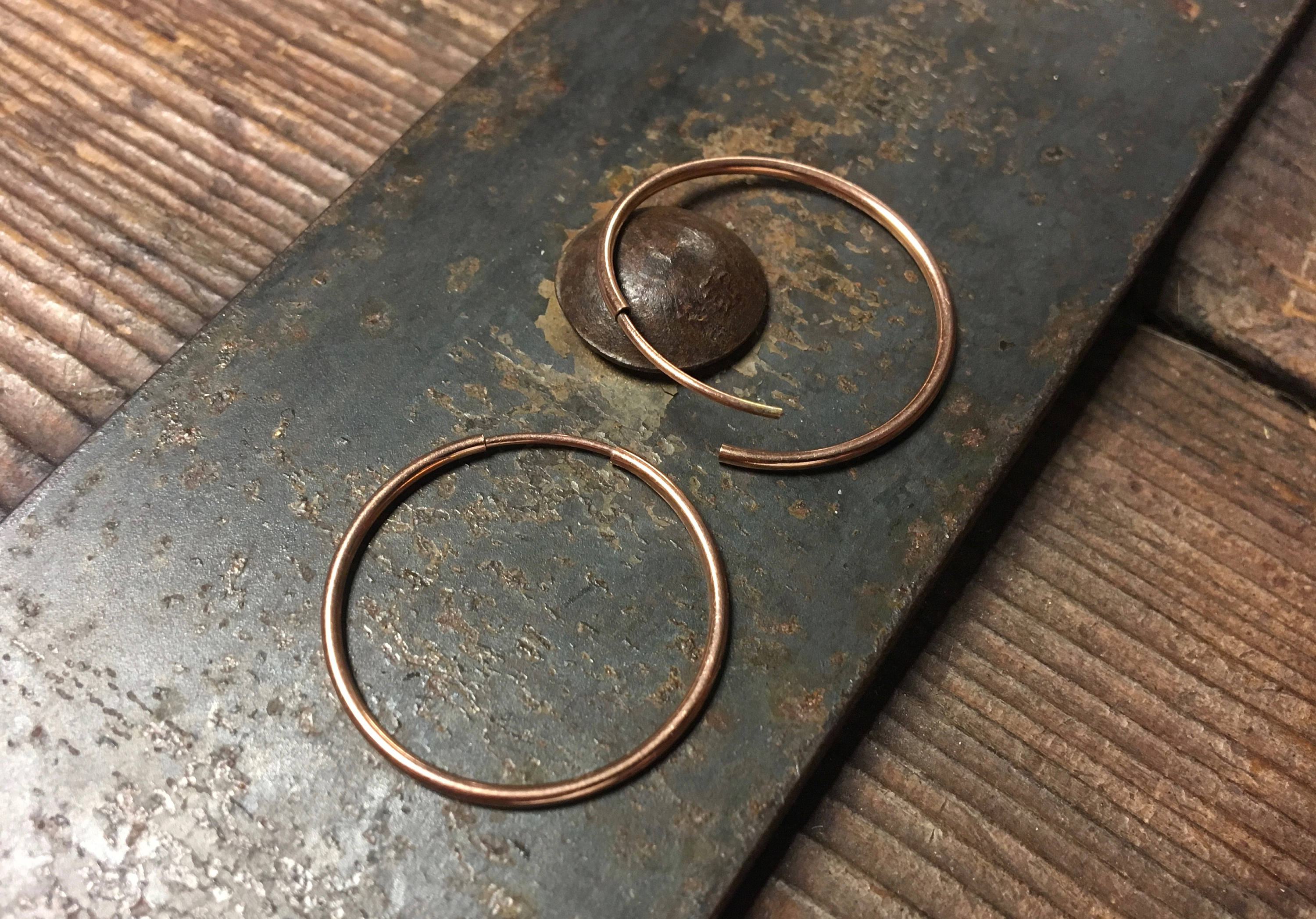 Rose Gold 1 Inch Hoop Earring – Seamless Hoops